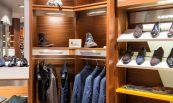 Présentoires de vêtements et chaussures